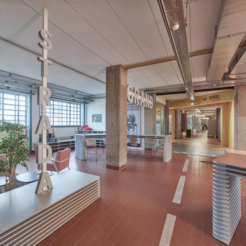 fabrika tabáku v rakouském linci interiéry
