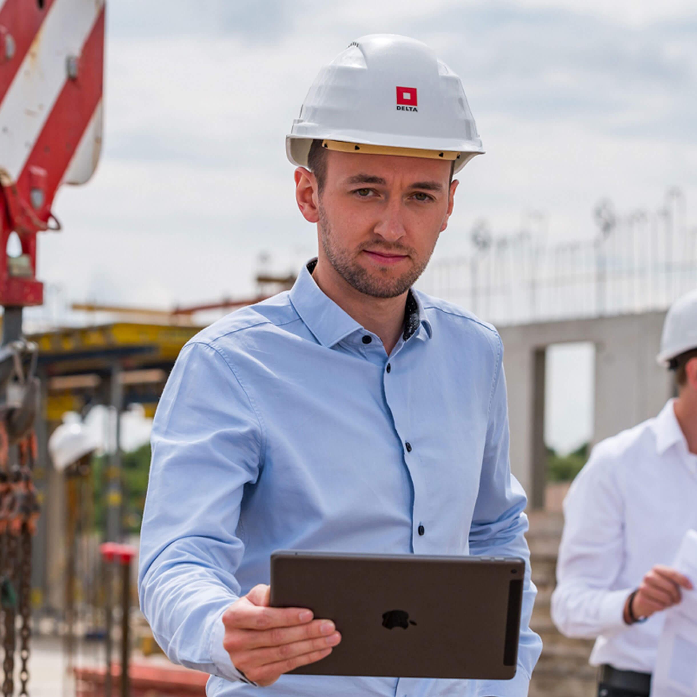 Zaměstnanci na stavbě