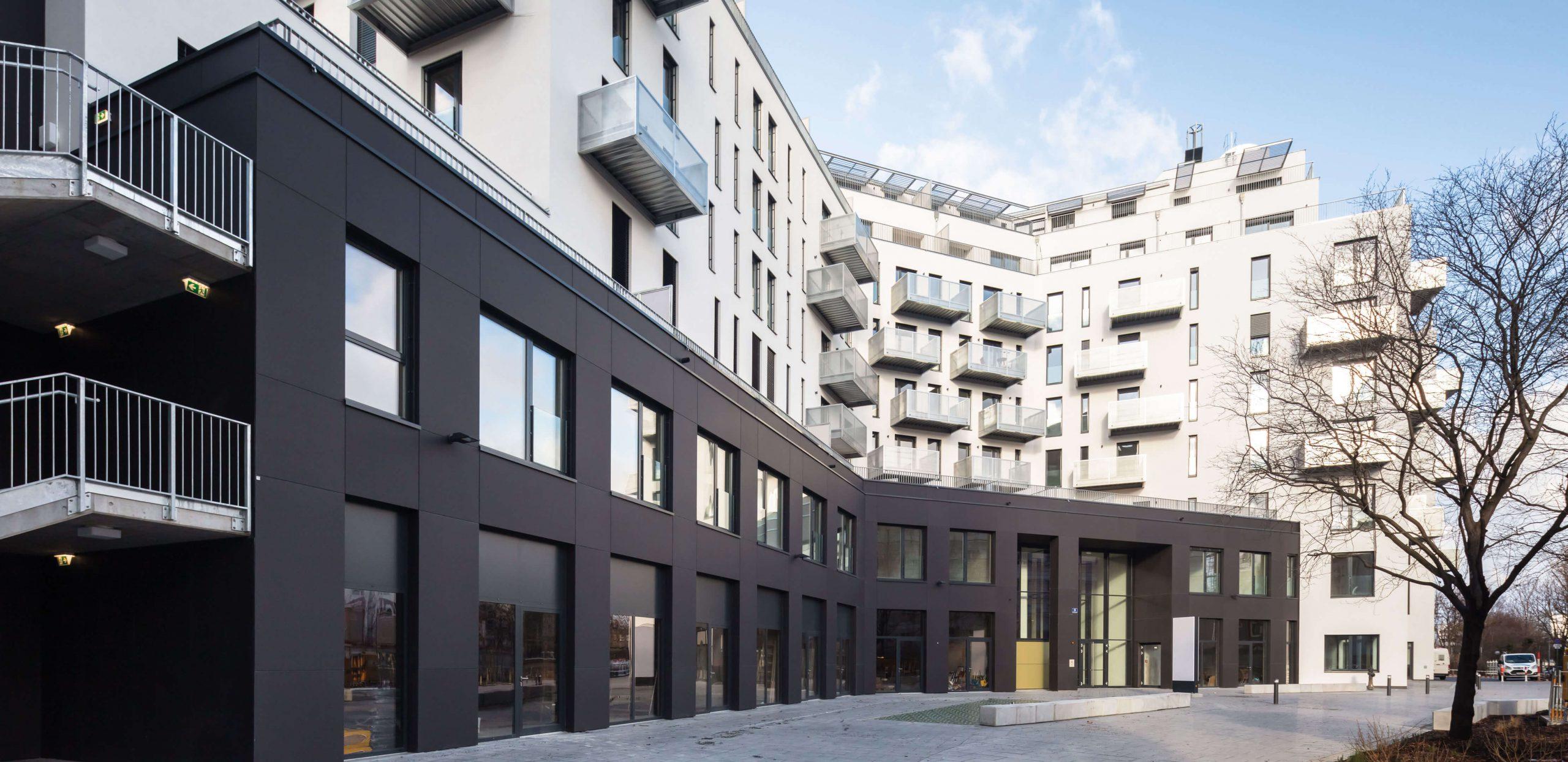 Vnější pohled na bytový komplex Althan Park, Vídeň, Rakousko