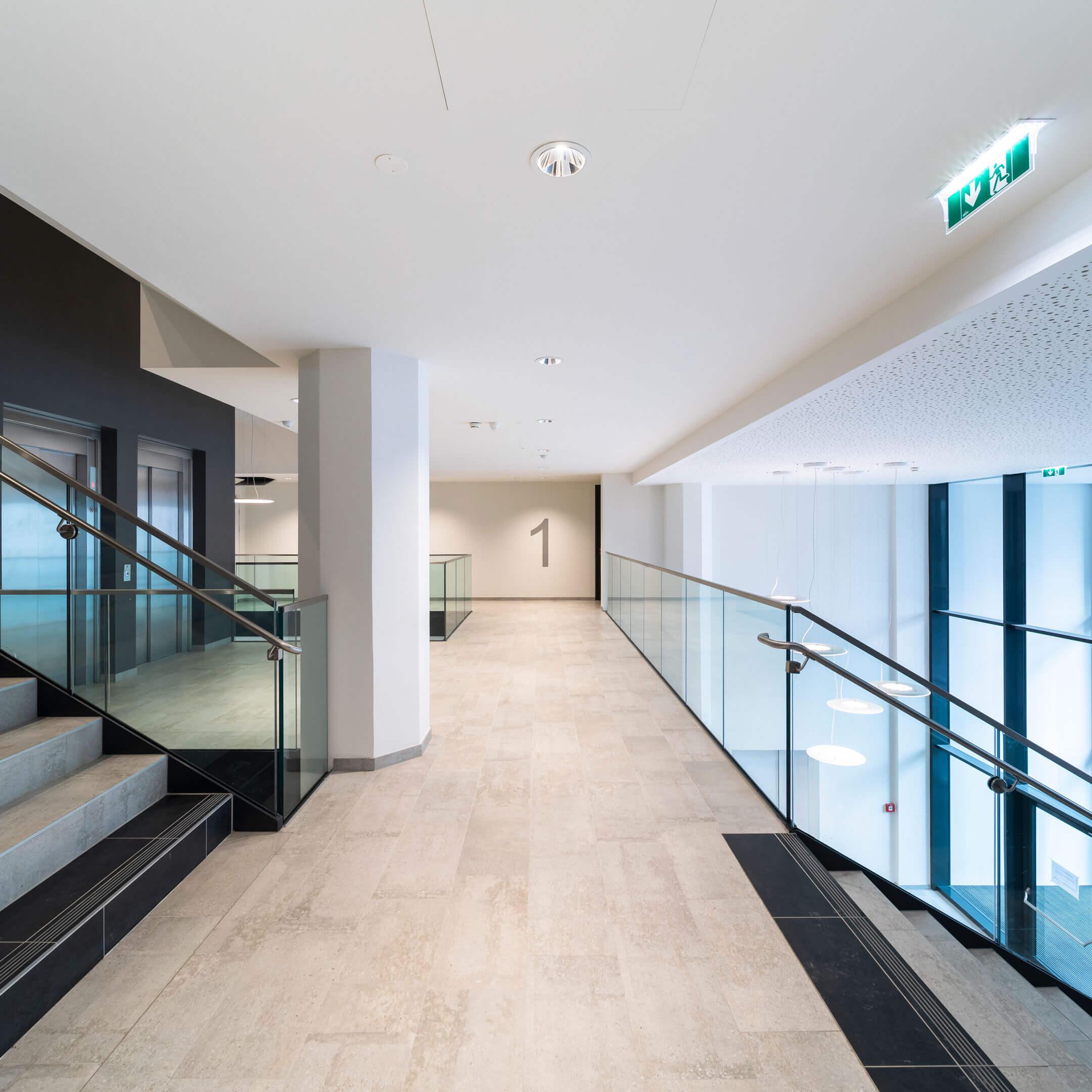 Vnitřní prostory bytového komplexu Althan Park ve Vídni