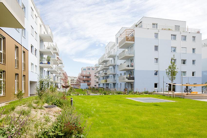 Exteriér bytového domu Schichtgründeve Vídni