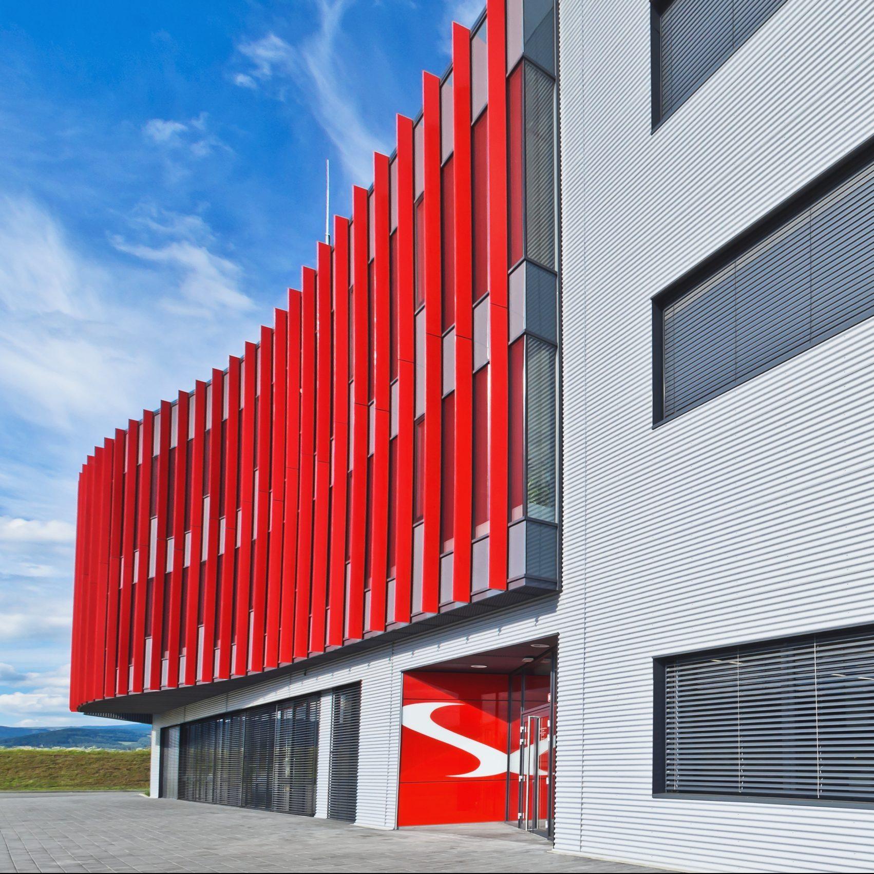 Pohled na přední stranu budovy WITTE access technology