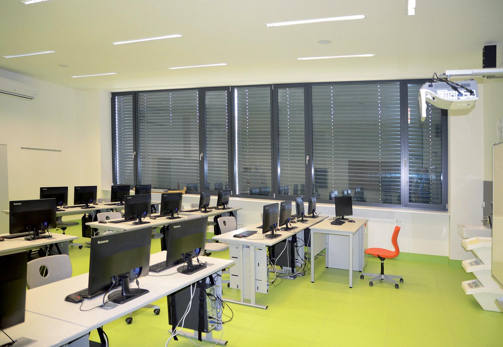 Počítačová učebna Rakouského gymnázia v Praze